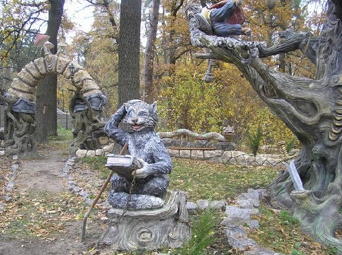Fabulous concrete sculptures by Vladimir Kolesnikov