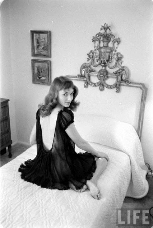 American Actress And Model Of 1950s Vikki Dougan Beauty