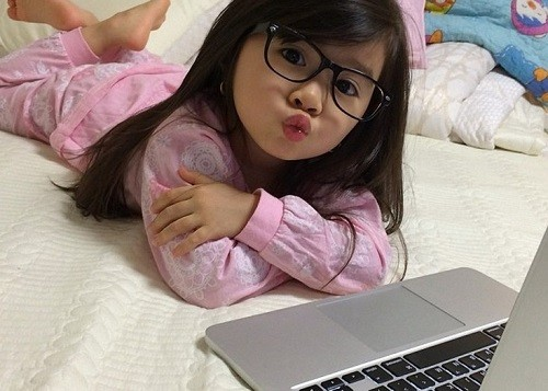 5-year-old girl Breanna Youn - the new star of the Internet