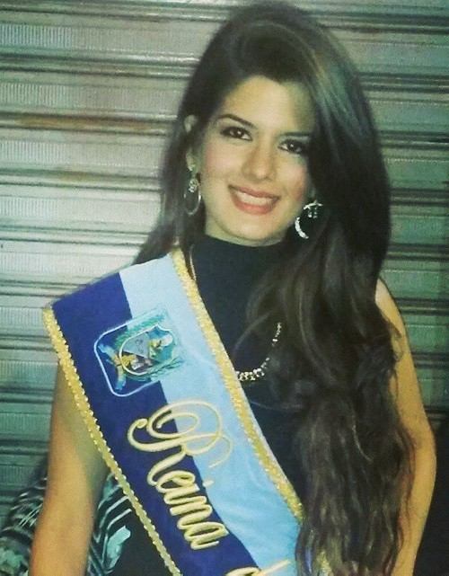 Beauty finalist dies after liposuction. 19-year-old medical student Catherine Cando was named Queen of Duran, a beauty contest in her home town