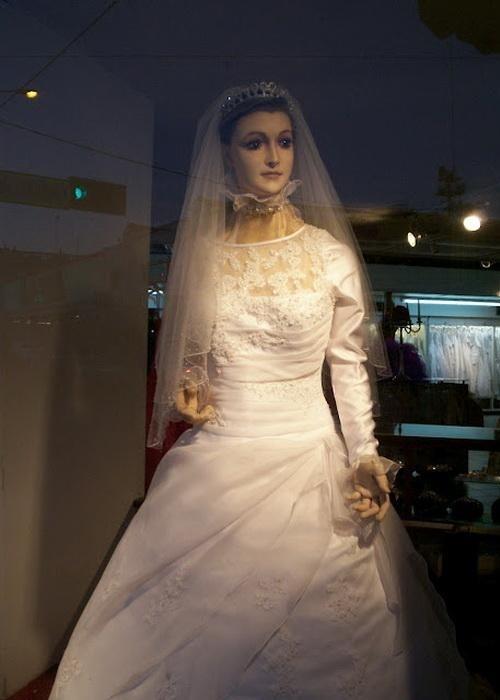 Corpse Bride mannequin La Pascualita