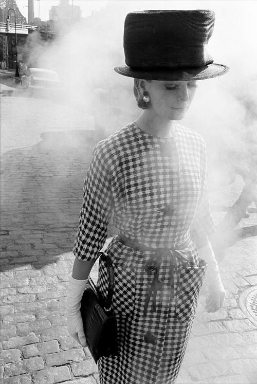 1961, New York, for Harper's Bazaar, fashion in the street