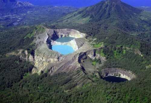 Extinct Aogashima crater is in the Philippine Sea