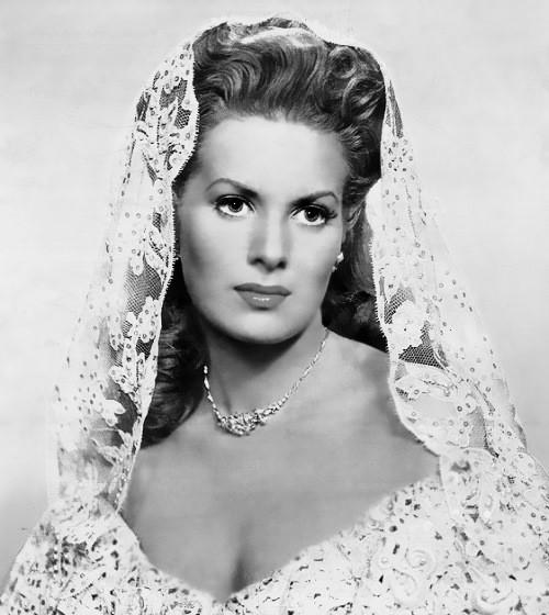 Beauty will save Irish-American actress Maureen O'Hara (7 August ...