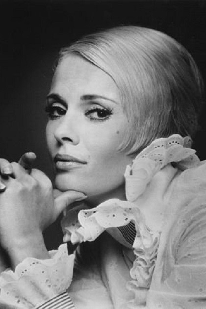 Blonde beauty Jean Dorothy Seberg