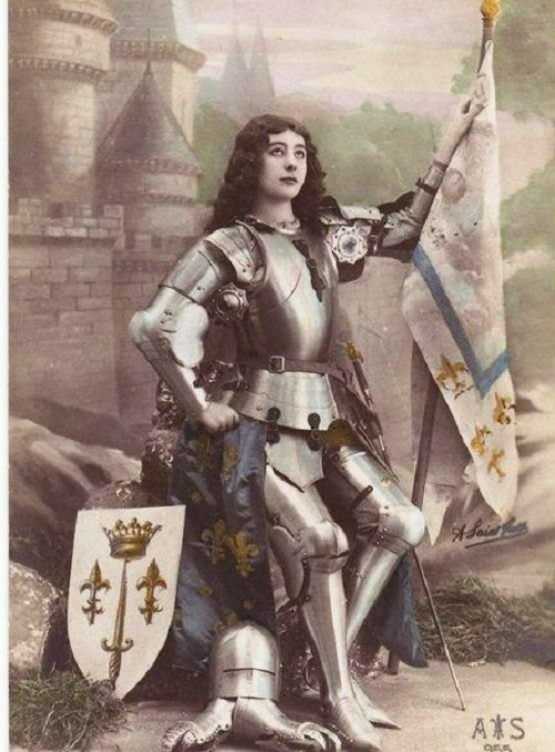 an introduction to the life of joan of arc a french national heroine