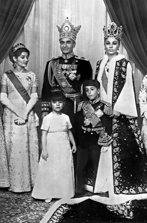 1967 family portrait - The Shah and Farah Pahlavi with their children