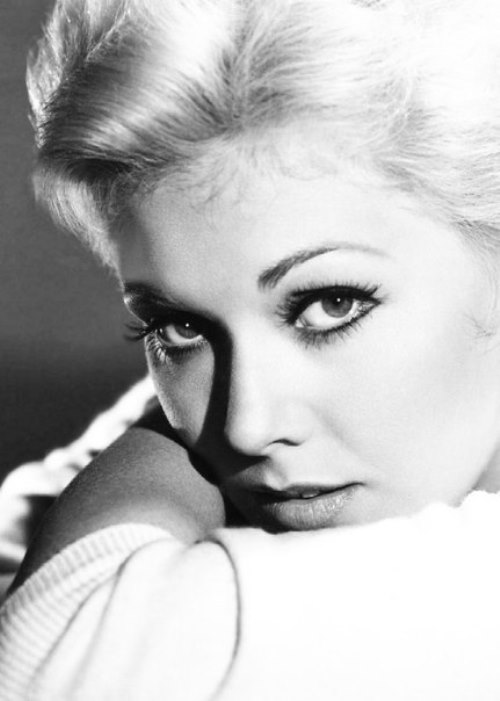 Blonde beauty Kim Novak