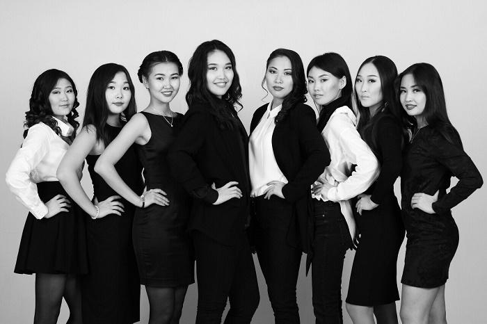 2016 photo of beauty contestants in Ulan-Ude, Buryat