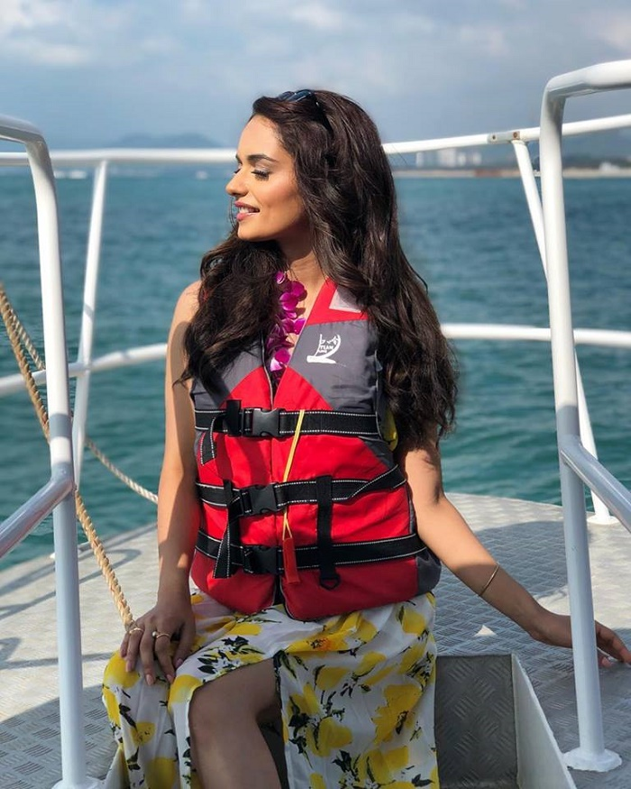 Stunning beauty, Manushi Chhillar