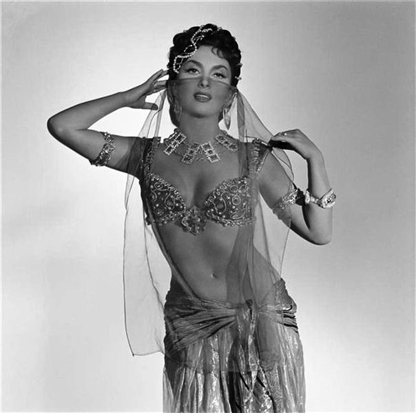 Belly dancer Gina Lollobrigida