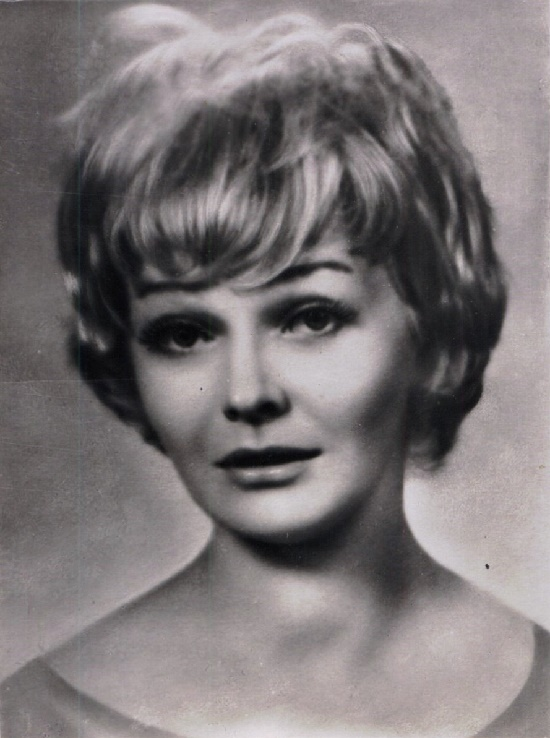 Polish actress Lucyna Winnicka (1928-2013)