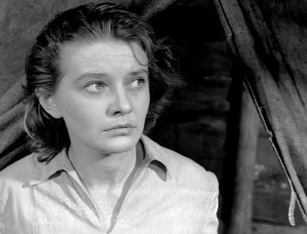Young actress in her first film Under the Phrygian star. 1954