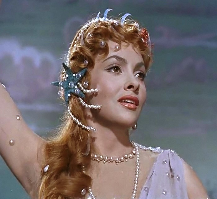 in the role of Lina Cavalieri in the film 'The most beautiful woman in the world' in 1955. (Here the actress is 28 years old)
