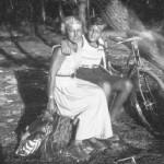 Marina Tsvetaeva and her son George. 1935