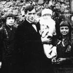 Marina, her husband Sergei Efron and children