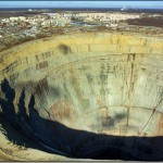 Amazing and terrifying Holes in the Earth