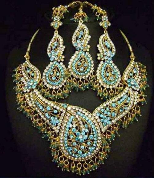 Indian bride jewelry set