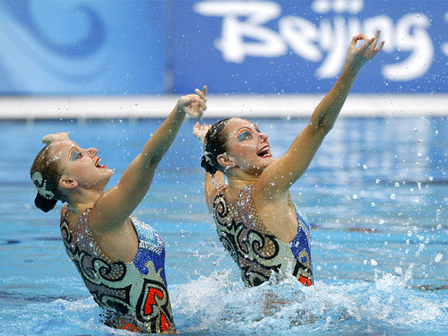 Beautiful synchronized swimmers Ermakova and Davydova
