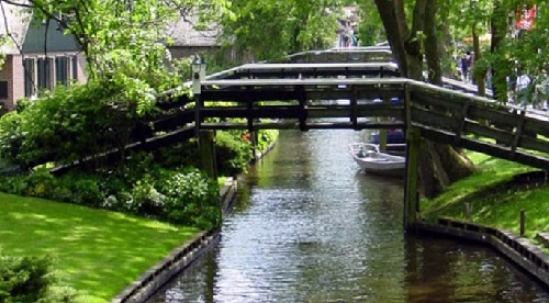 Noteworthy, the town of Giethoorn in Holland, has over 180 bridges