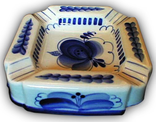 Floral motif and blue color - folk crafts Gzhel