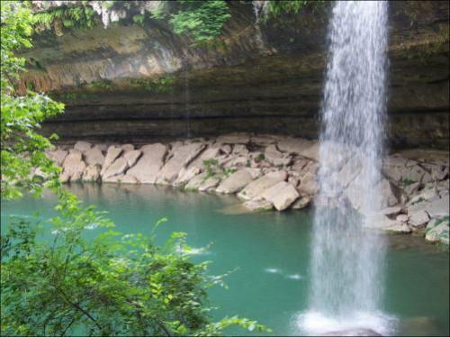 Waterfall. Lake Hamilton in Texas