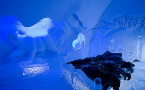 Hotel De Glace - beautiful Ice Hotel in Quebec, Canada