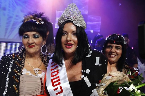 Tanya Vaiman (center), 23, poses on stage after winning the annual 'Fat and Beautiful' beauty pageant in the southern city of Beersheba January 15, 2011
