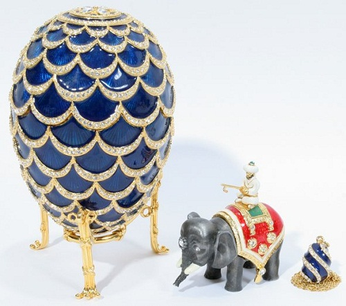 "Rare Faberge eggs. Egg - ""pinecone."""