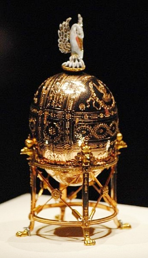 """Easter Egg of the imperial court - """"The Widow (Pelican)."""" Date of manufacture 1898"""