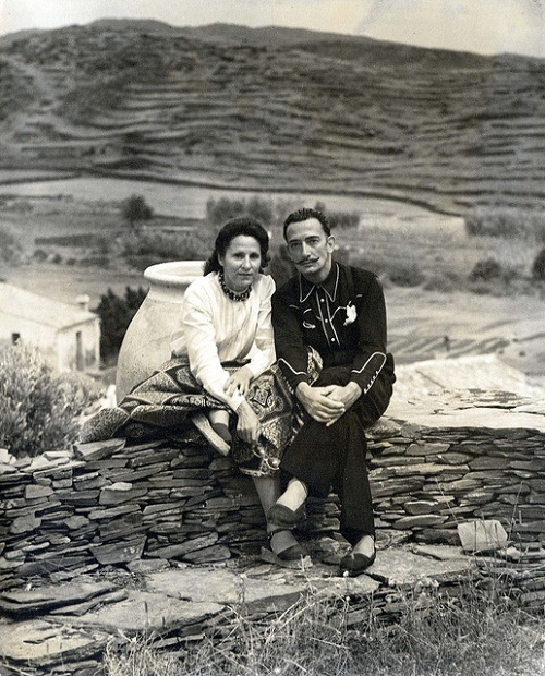 Dalí and Gala in 1948