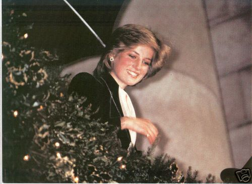 Princess Diana and her rare letters and cards
