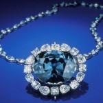 Those who wear Sapphire should lead holy life
