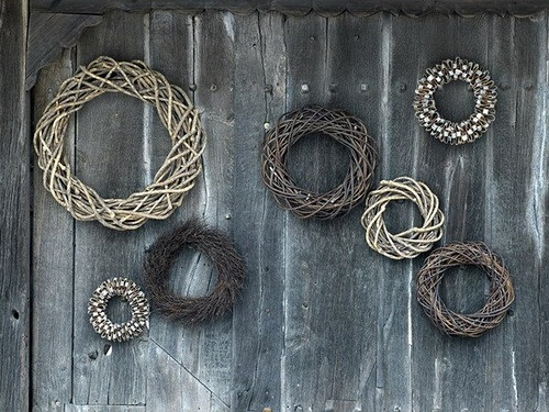 wreaths woven from branches and dry grass