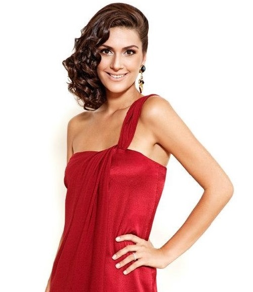 Beautiful Turkish actress Berguzar Korel