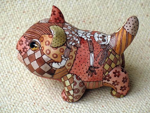A kitten. Ceramic fantasy by Ukrainian artists Anna Stasenko and Slava Leontiev