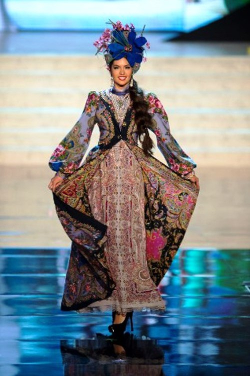 Miss Universe Russian folk dress