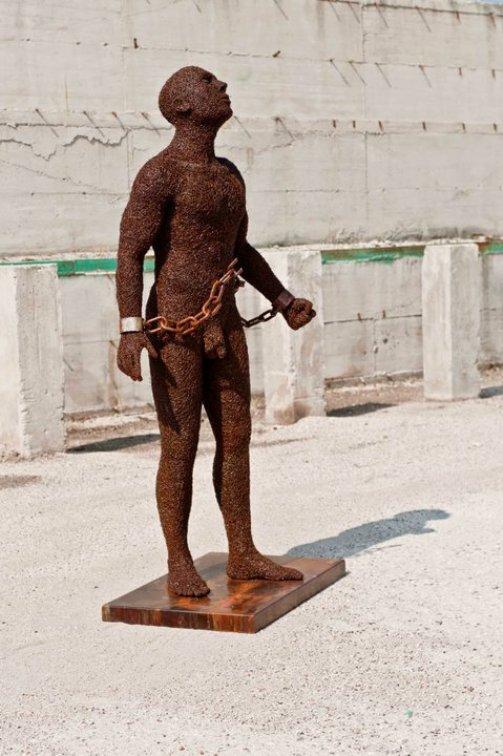 Chains - free or slave. Iron sculptures by Italian artist Mattia Trotta