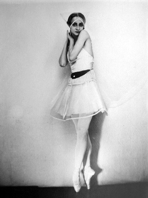 The first symptoms of madness in Olga Spesivtseva appeared in 1934 in Sydney, where the ballerina toured as a star of the Anna Pavlova troupe. Without a word, Spesivtseva interrupted her rehearsals and left to wander around the city
