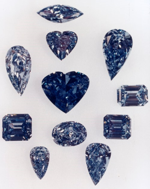 The Millennium Blue Diamonds, with the Heart of Eternity at the center