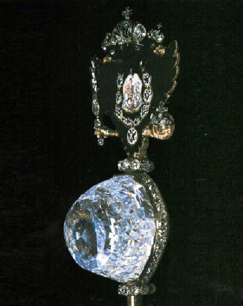 The Orlov Diamond, mounted in the Imperial Scepter, made during the reign of Catherine the Great (1762-96). Its weight – 189.62 metric carats and it measures 47.6 mm in height, 31.75 mm in width, and 34.92 mm in length