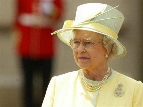 Pale Lemon hat and suit