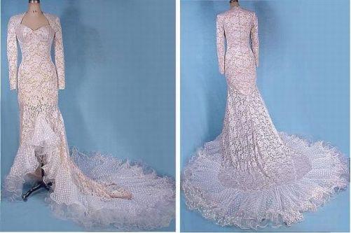 Stunning Wedding Dress of guipure, 1980