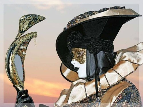 Mirror, mirror... Venice Carnival, modern Mardi Gras