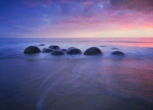 The Moeraki Boulders, Koekohe Beach, Otago coast of New Zealand.