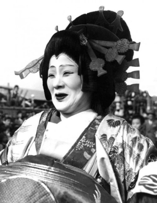 Japanese entertainer, although not sure she/he is a geisha