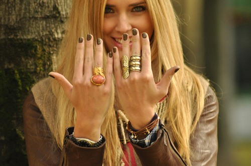 Tips for wearing rings and bracelets