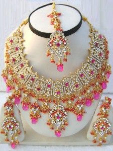 Admired worldwide Bollywood fashion jewellery