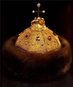 """Cap of Monomakh. Late 13th - early 14th century. Gold, silver, precious stones, pearls, fur, filigree, granulation, casting, chasing, engraving. Height 18.6 cm, circumference 61 cm. State Historical and Cultural Museum-Preserve """"Moscow Kremlin""""."""
