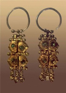 Earrings, 17th Century. Silver, glass, stamp. Length of 4.5 cm. Russian Museum of Ethnography, St. Petersburg